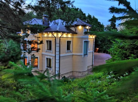 Дом для отпуска Коттедж в городе, Санкт-Петербург