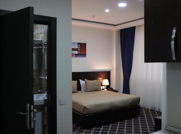 Отель Кристал, Баку