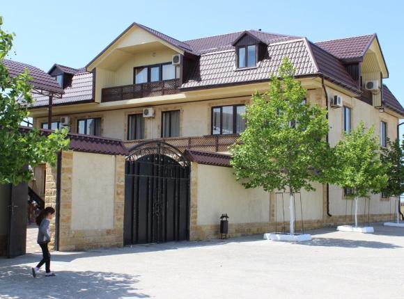 Izberg Inn, Избербаш