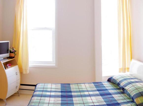 Dundas Apartments & Suites, Торонто