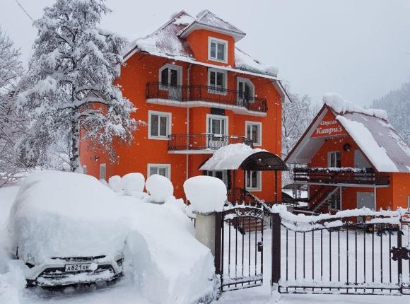 Отель Каприз, Домбай