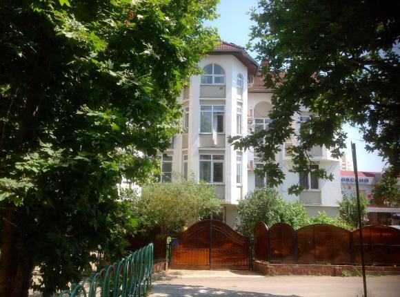 Гостевой дом на Изумрудной, Лазаревское