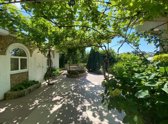 Гостевой дом Летний сад, Сенной