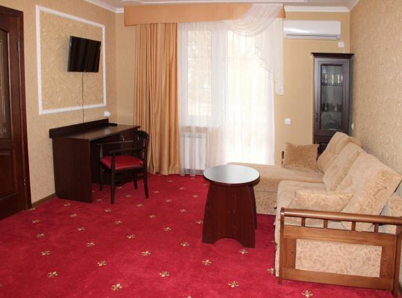 Отель Премьер, Голубицкая