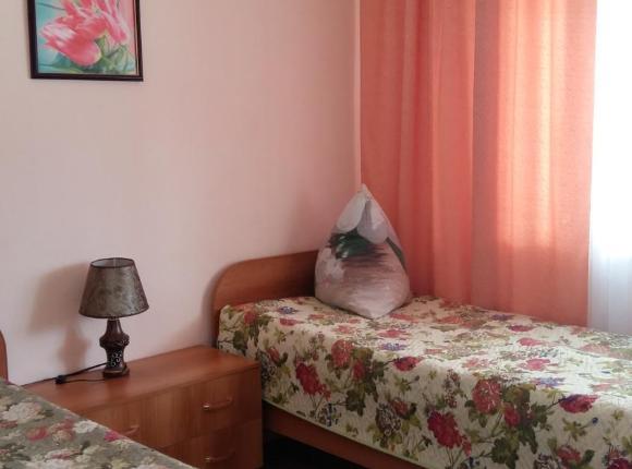 Мотель Заря, Придача