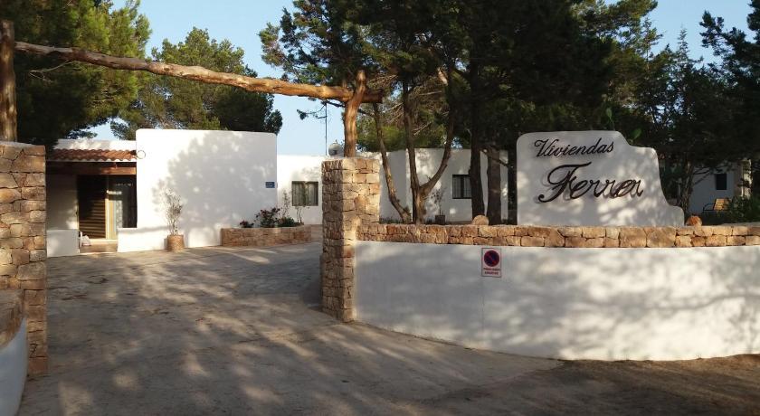 Best time to travel Formentera Viviendas Ferrer-Es Mal Pas