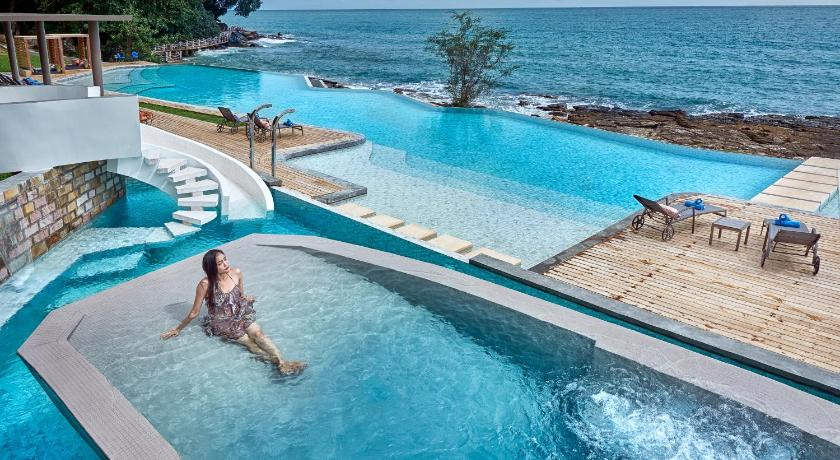 Best time to travel Sihanoukville Independence Hotel Resort & Spa