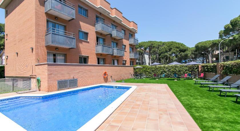 Best time to travel L'Hospitalet de Llobregat Aparthotel Bardon