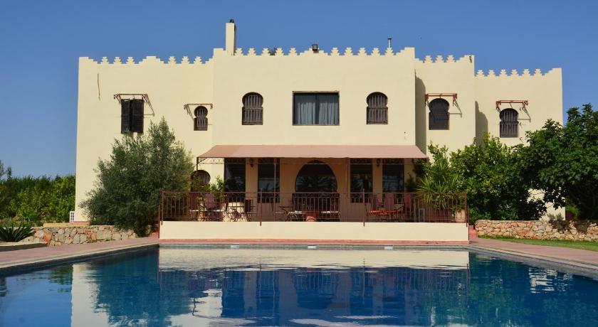 Best time to travel Morocco Riad le Ksar de Fes