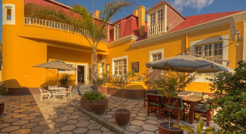 Best time to travel Namibia Villa Margherita