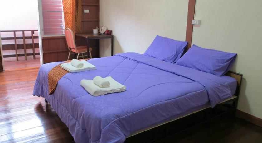 Double Room with Private Bathroom Baan Khun ya Ayutthaya