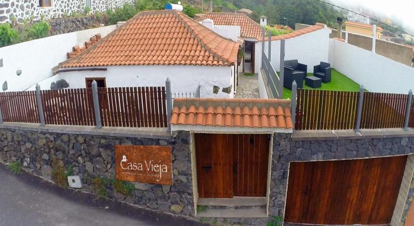 Best time to travel Canary Islands Casaviejaicod & SPA