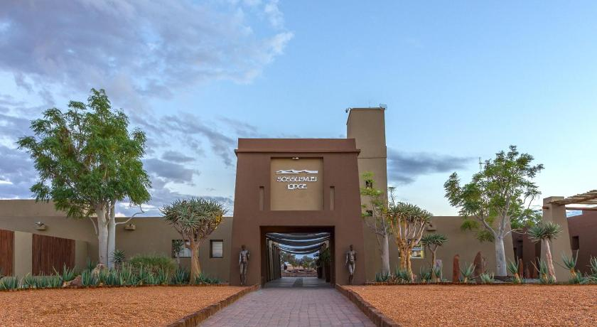 Best time to travel Namibia Sossusvlei Lodge