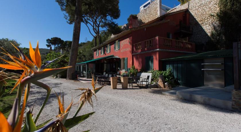 Best time to travel Marseille Le Jardin d'Emile