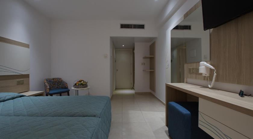 Superior Twin Room with Partial Sea View Stamatia Hotel