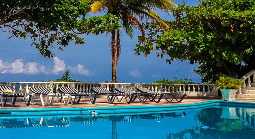 Best time to travel Jamaica Silver Seas Hotel
