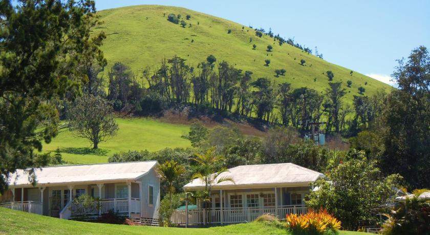 Best time to travel Hawaii Jacaranda Inn