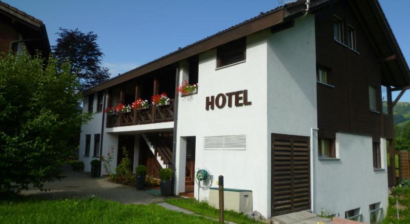 Best time to travel Switzerland Hotel Bahnhof