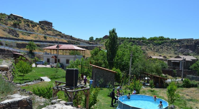 Best time to travel Armenia B&B Armenia Hatsekats