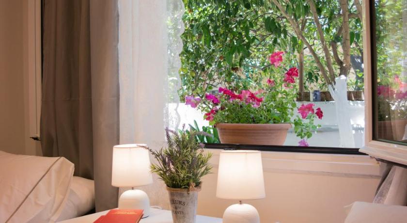 Best time to travel Greece Alexandra Apartment Near Chania Center