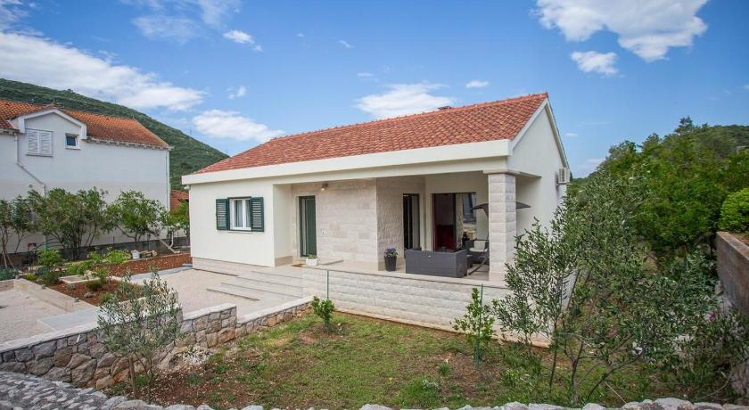 Holiday Home Mali Ston 13443