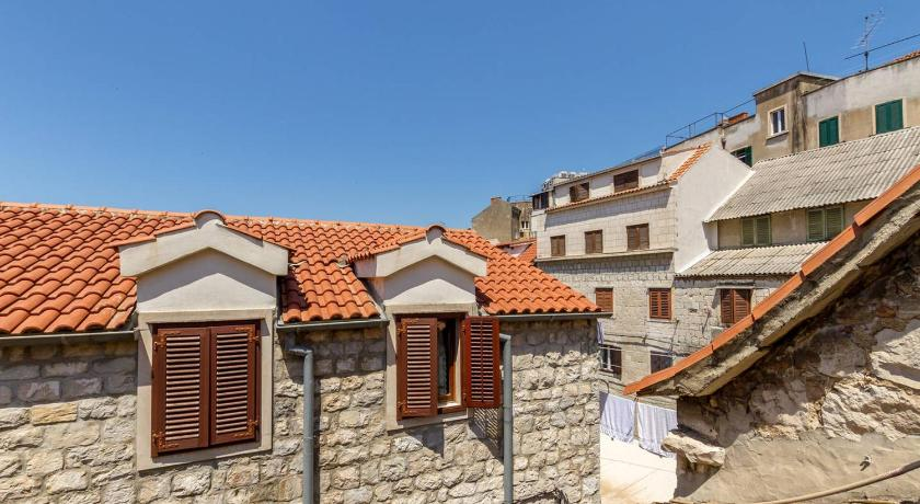 Best time to travel Croatia Apartment City