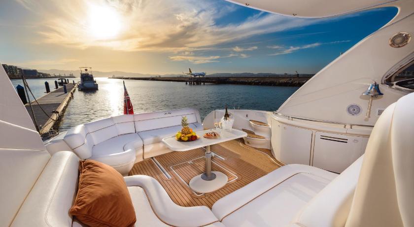 Karte Gibraltar Umgebung.Luxury Yacht Hotel Gibraltar Agoda Com