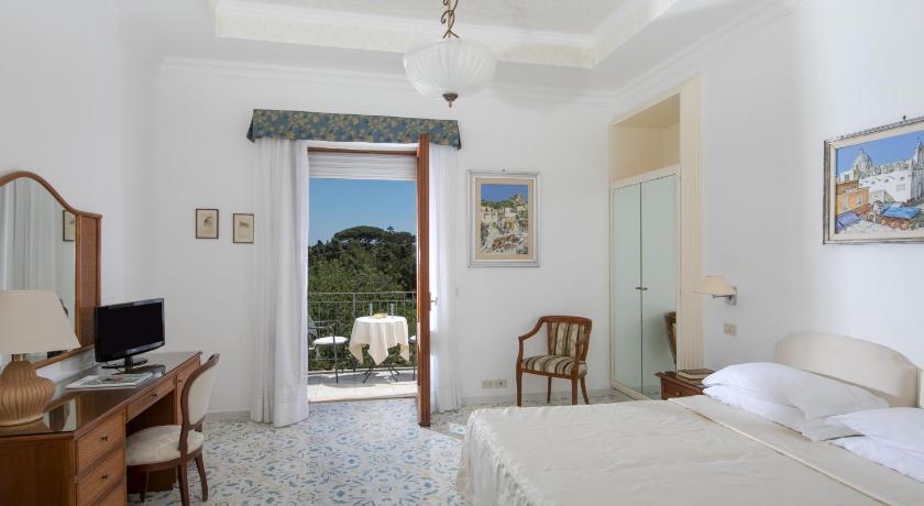 Best time to travel Capri Hotel Bellavista