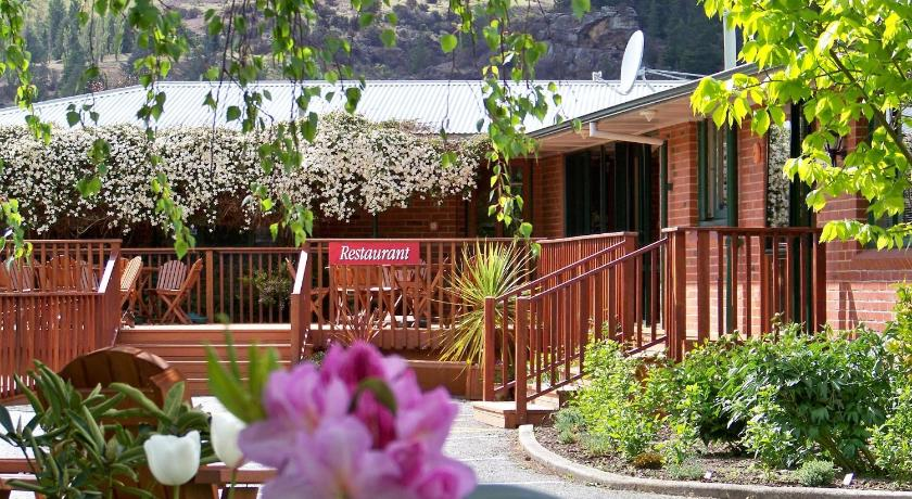 Best time to travel New Zealand Lake Roxburgh Lodge