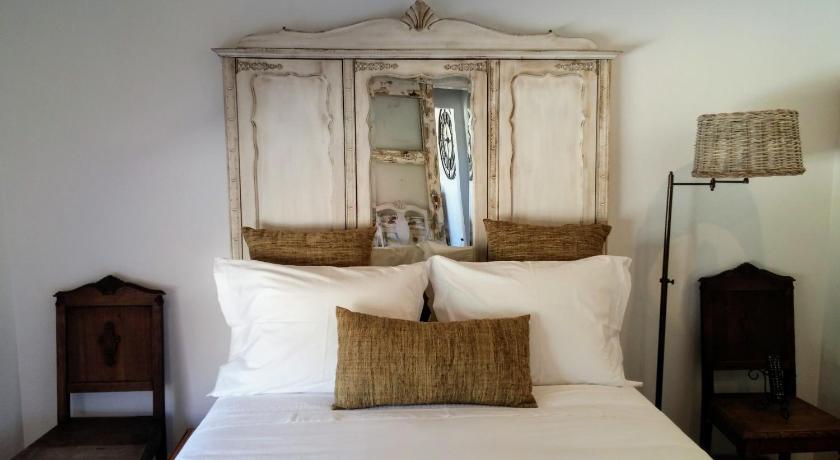 Best time to travel Odivelas Snug Independent Room