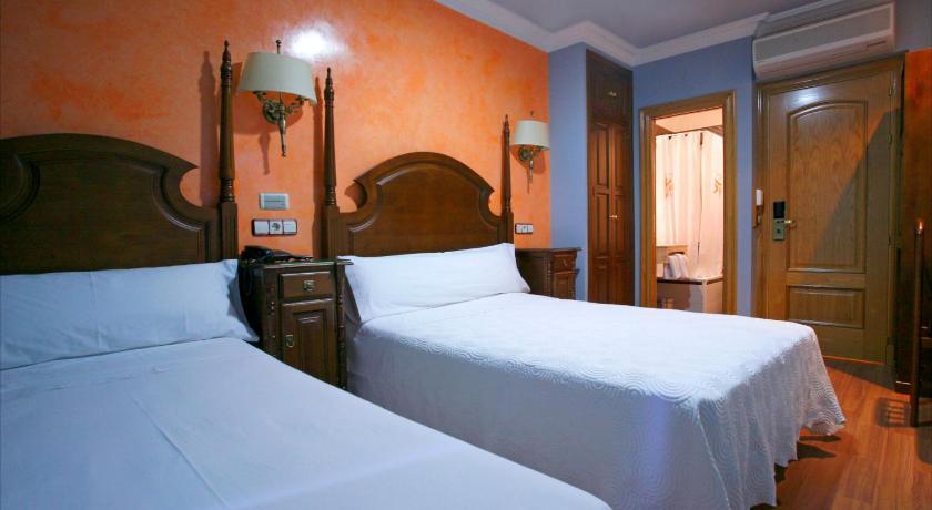 Best time to travel Madrid Hostal Victoria II