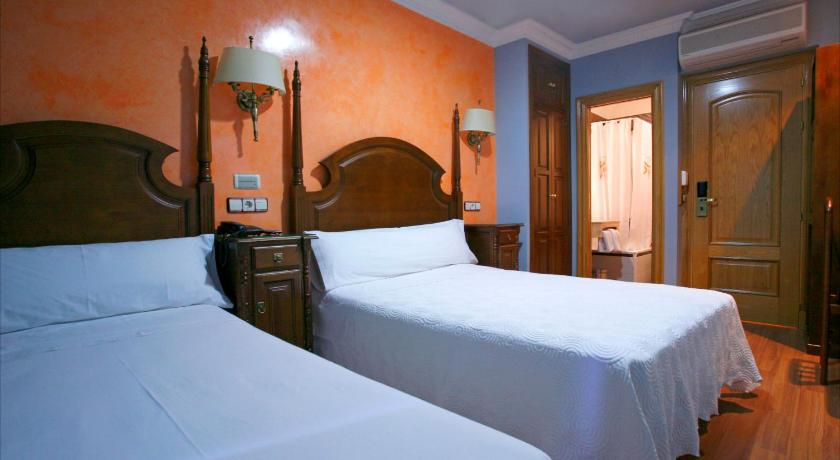 Best time to travel Madrid Hostal Victoria II