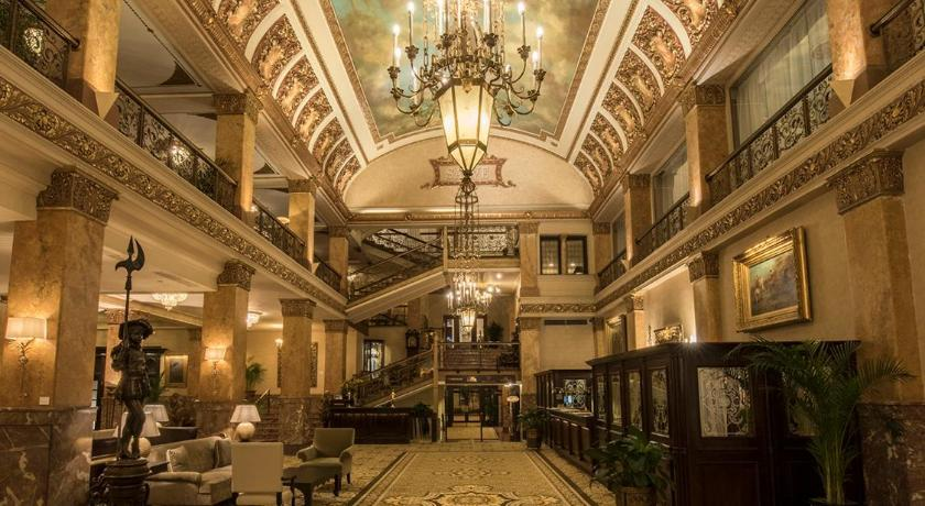 Best time to travel Milwaukee The Pfister Hotel