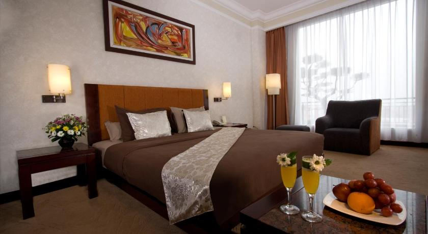Grand Wahid Hotel Salatiga Jalan Jendral Sudirman No 2 Salatiga