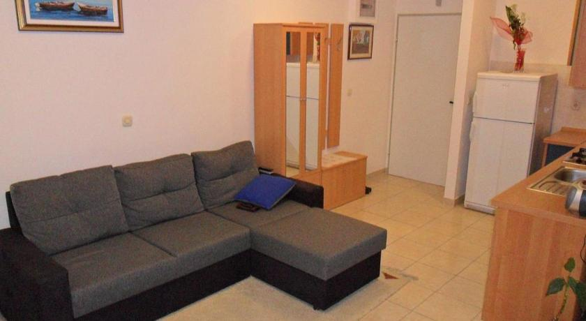Best time to travel Croatia Apartment Rogoznica 13684a