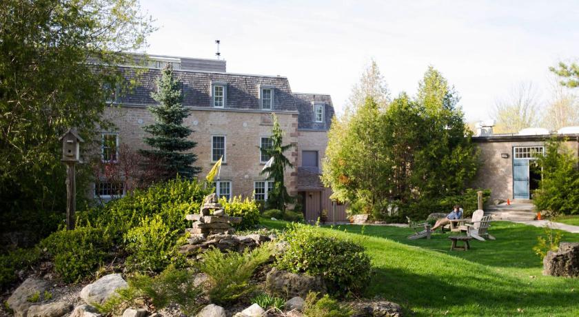 Best time to travel Brampton Millcroft Inn & Spa