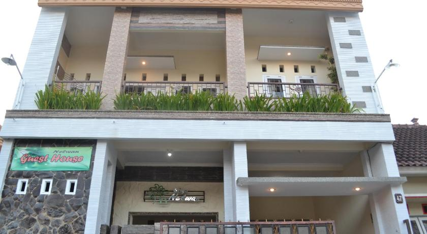 Best Price On Griya Nelwan Guest House In Malang Reviews