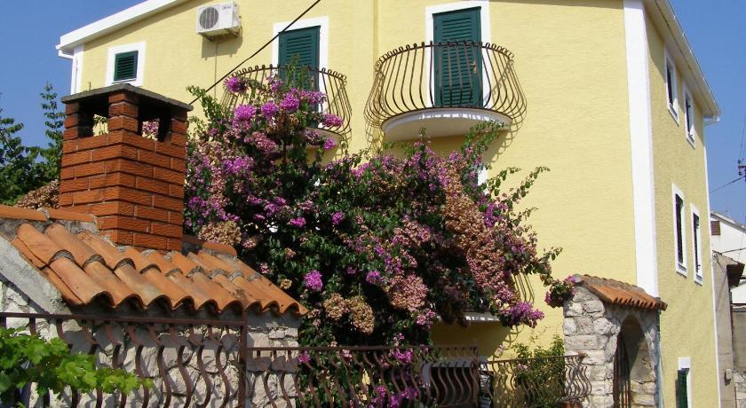 Best time to travel Croatia Apartment Kukljica 5