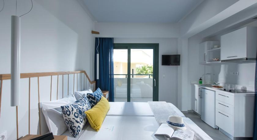 Best time to travel Greece Kristalli Hotel Apartments