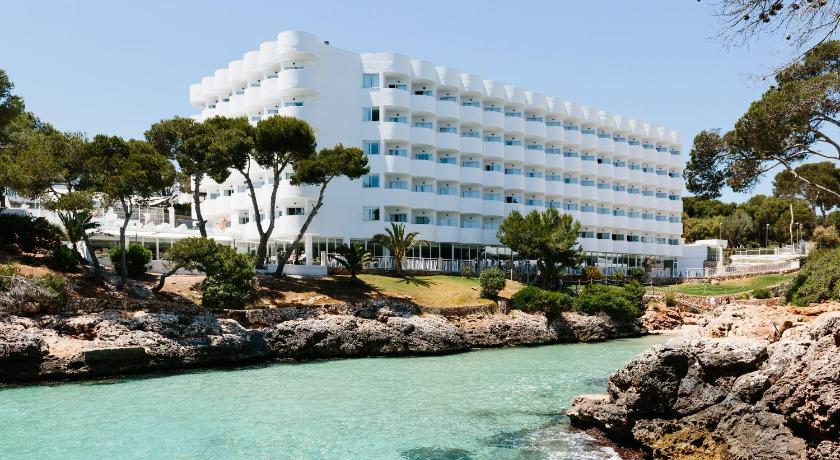 Best time to travel Majorca AluaSoul Mallorca Resort - Adults only