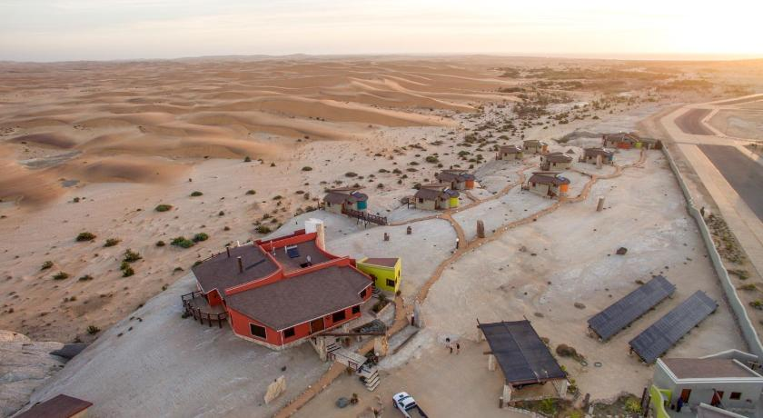 Best time to travel Namibia Desert Breeze Lodge