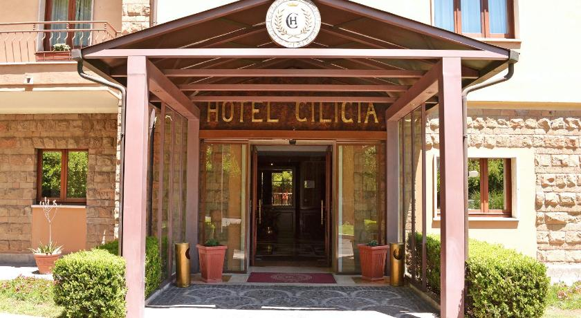 Best time to travel Italy Hotel Cilicia