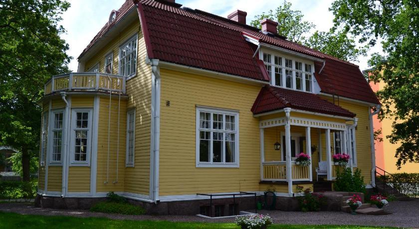 Best time to travel Finland Villa Baumgartner