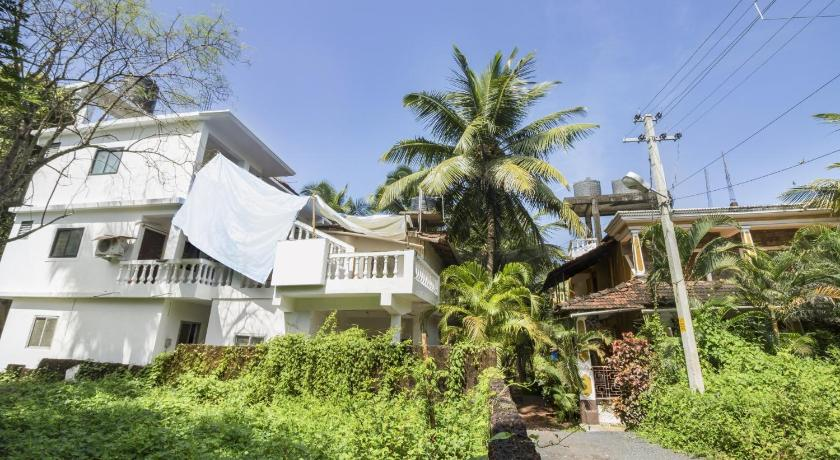 Guest house room in Calangute, Goa, by GuestHouser 15794