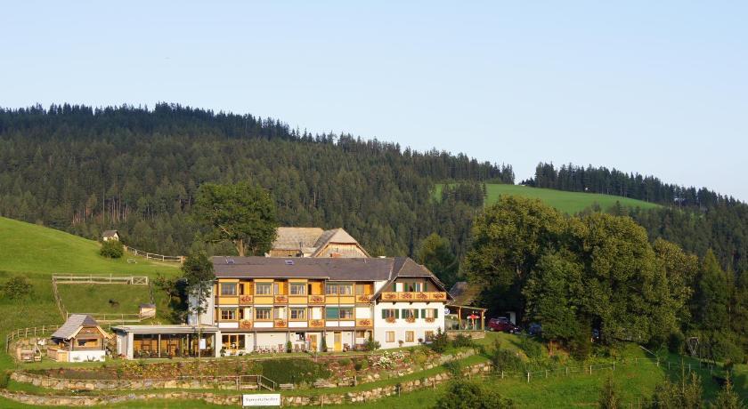 Best time to travel Wiener Neustadt Landhotel Spreitzhofer