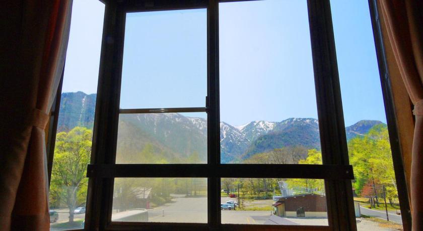Best time to travel Japan Okunikko Park Lodge Miyama