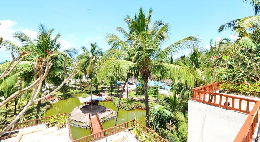 Best time to travel Kenya Diani Reef Beach Resort & Spa