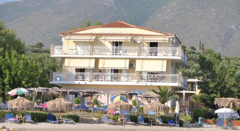 Villa Pouliezos Apartments