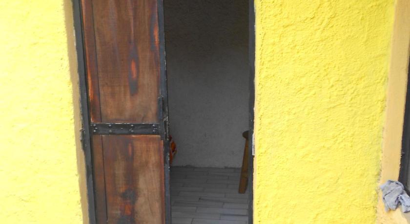 Best time to travel Amatitlán Salamandras House Volcan Pacaya