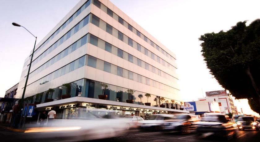 Best time to travel Mexico Hi Hotel Impala Queretaro